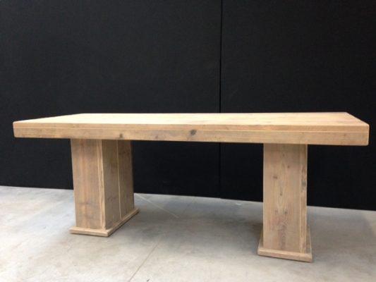 Steigerhouten zittafel